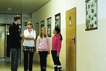 Gymnázium v České Lípě přivítalo během úterního dne otevřených dveří více než stovku návštěvníků.