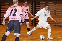 Futsalisté FC Démoni vyhráli další utkání divizní skupiny A, takže si udrželi průběžnou čtvrtou pozici.