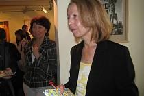 Českolipská publicistka Magda Jogheeová křtila svou první knihu fejetonů před třemi lety v Lípě.
