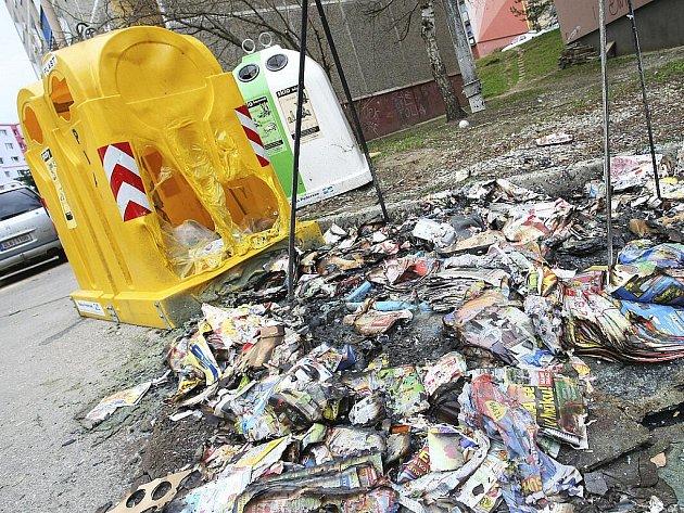 Vloni stála náhrada zničených kontejnerů město 230 tisíc korun.