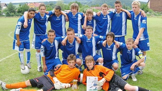 Vítězné družstvo turnaje dorostenců – Spartak Dubice.