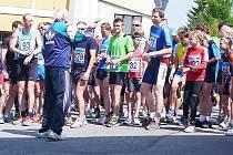 Na startovní čáru běhu v Kamenickém Šenově se postavilo rekordních 144 borců všech věkových kategorií.