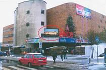 Umístění velké obrazovky na průčelí obchodního domu Andy si vyžádalo výjimku z obecně závazné vyhlášky.