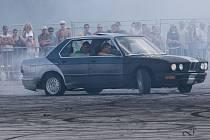 Mimoňské války vypuknou na bývalém vojenském letišti v Ralsku - Hradčanech i letos.