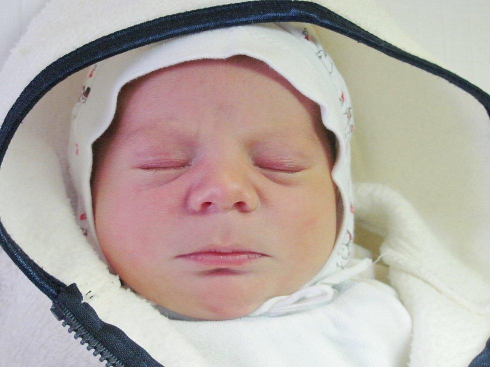 Mamince Kateřině Kudrnové z Dolního Pihelu se 23. listopadu v 19:55 hod. narodil syn Míra Astaloš. Měřil 48 cm a vážil 3,17 kg.