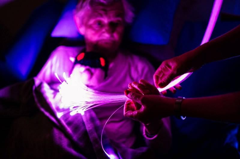 V Alzheimercentrum Česká Lípa mají novou terapii Snoezelen, která pomáhá nemocným. Ilustrační foto.