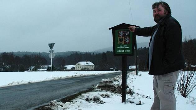Jiří Walter bojuje proti výstavbě průmyslové zóny v CHKO Lužické hory od samého počátku a zdá se, že s konečnou platností zvítězil. Na pozemku nevyroste buď nic, nebo rodinné domy.