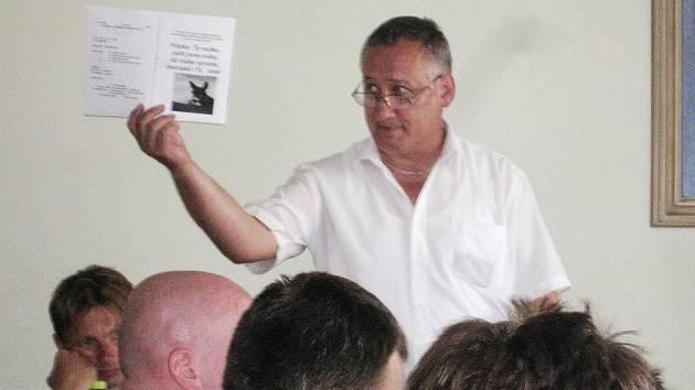 Karel Fischer - předseda disciplinární komise OFS.
