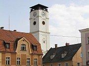 Vyhlídková věž v Jablonném bude v sobotu 13. září otevřená od 10 do 12, od 12.30 do 16.30 a večer od 19.00 do 23.00.