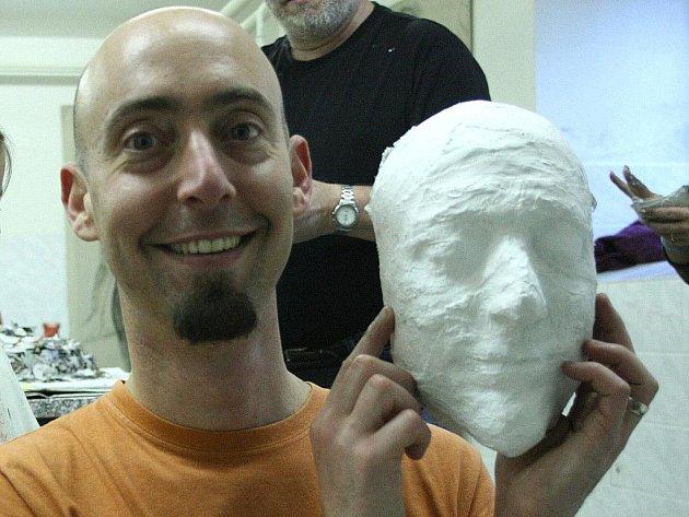 Brazilský scénograf a výtvarník Ricardo Hoineff.