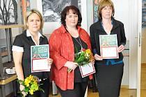Titul The Best Teacher of English 2011 získaly tři pedagožky: zleva Soňa Morávková (Praha), Petra Plíhalová (Česká Lípa) a Helena Pálenská (Praha).