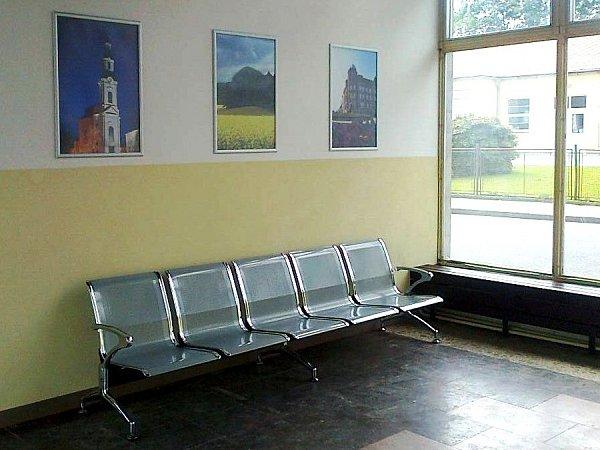 Výrazně klepšímu se právě vtěchto dnech mění hlavní budova autobusového nádraží vNovém Boru.