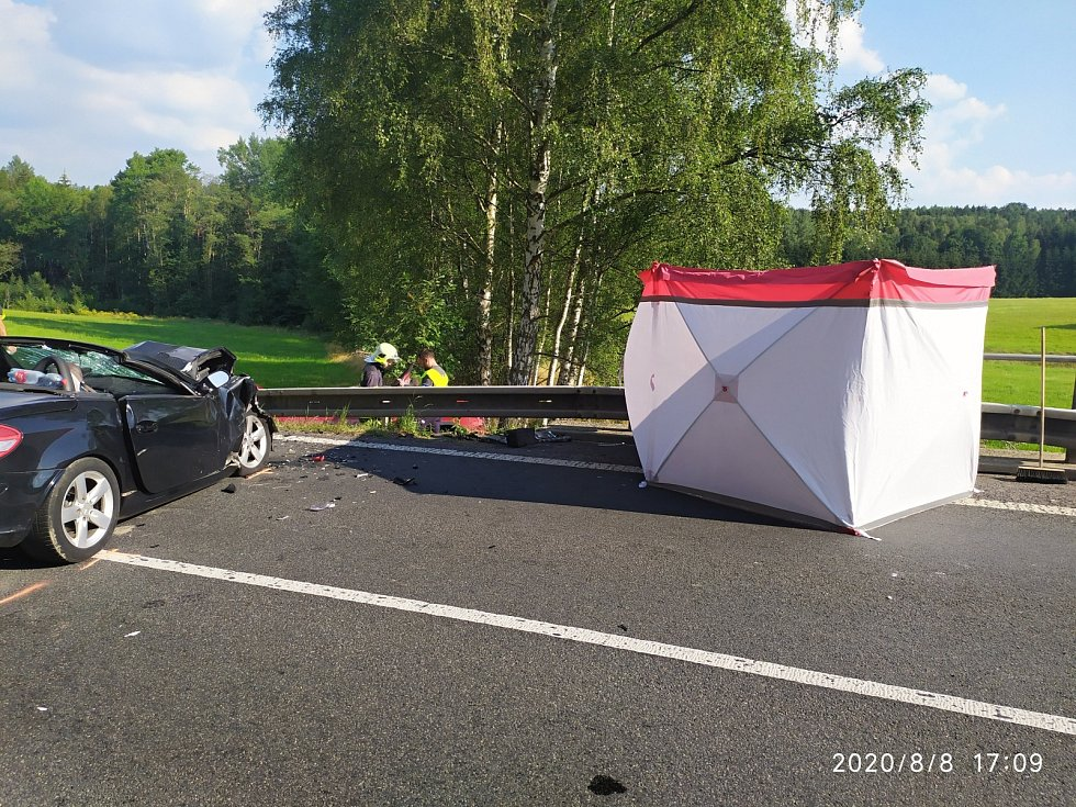 Nehoda u Cvikova.