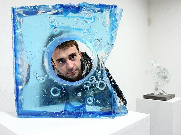 Ajeto Art Glass museum shromažďuje sbírku moderního skla, užitého a výtvarného umění.