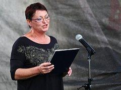 V rámci Dvořákova festivalu vystoupilo v neděli v amfiteátru českolipského muzea seskupení Gran Dueto Concertante. Tóny kytary a flétny doplnila recitací známá česká herečka Valerie Zawadská.