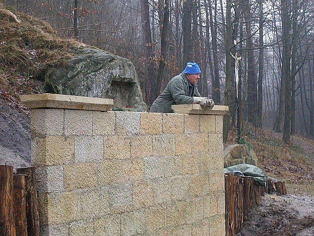 Na prameništi Svatého Kříže se usilovně pracovalo v uplynulých měsících.
