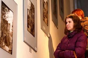 Výstava Oybin včera a dnes potrvá až do konce dubna.