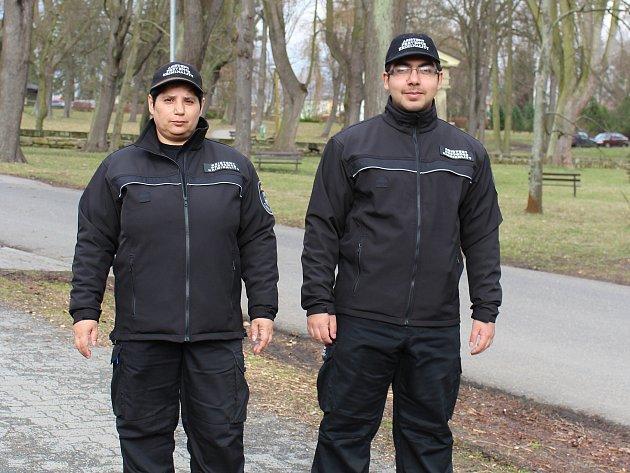 Asistenti prevence kriminality Anděla Jirásková a Jiří Cína.