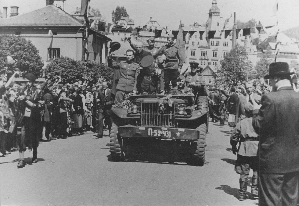 Příjezd Rudé armády do Semil 10.5.1945.