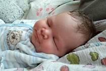 Mamince Kristýně Třešňákové se ve středu 10. června v 11:02 hodin narodil syn Sebastián Třešňák. Měřil 51 cm a vážil 3,87 kg.