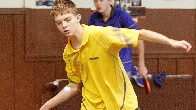 Ondřej Špaček obsadil na krajských přeborech stolního tenisu v kategorii dorostu výborné druhé místo.