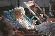 Z filmu Víkend na chatě.
