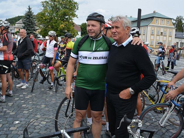 Začátky slavného cyklistického závodu Tour de Bohemia, stejně tak jako všech 28ročníků, si ovíkendu připomněli vNovém Boru.
