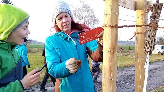 První Alej vzpomínek vysazovali lidé z Geoparku Ralsko u zaniklé vsi Dolní Novina.