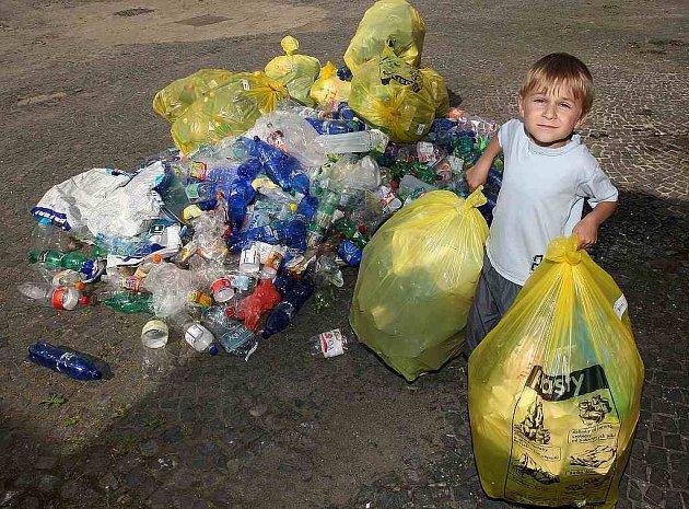Nový Bor je na špici ve třídění odpadu. Každý občan Nového Boru bez rozdílu věku vytřídí ročně v průměru přibližně 40 kilogramů odpadu.
