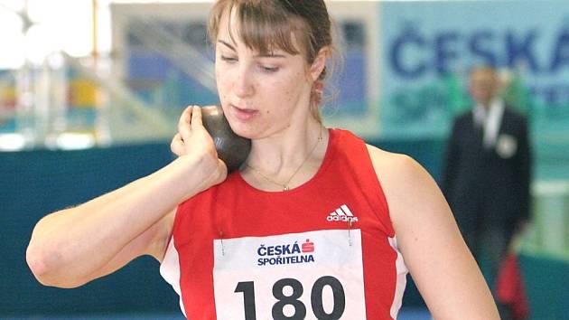 Lucie Vaníčková zaznamenala ve Stromovce nový osobní rekord ve vrhu koulí.