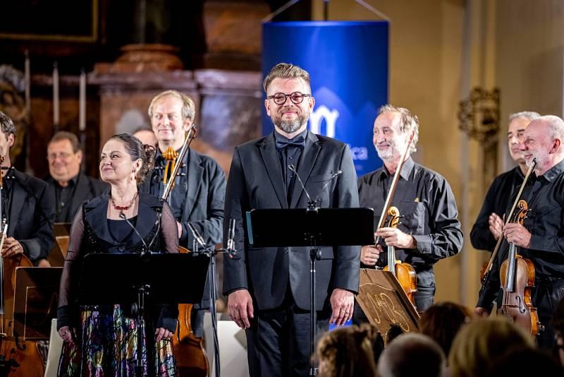 Musica Bohemica: Poezie lidové písně v českolipské bazilice Všech svatých.