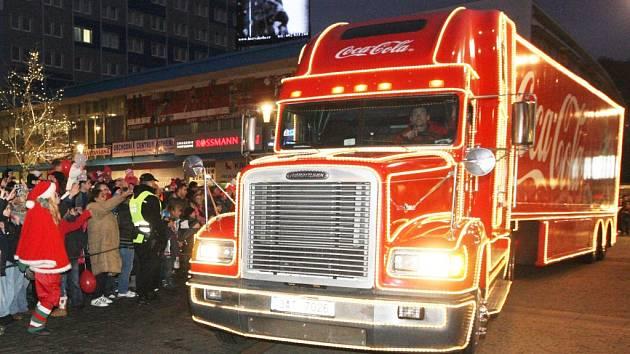 Ve čtvrtek 11. prosince dorazí vánoční kamion Coca Coly také na náměstí T.G.Masaryka v České Lípě.