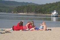 Úspěch letošní turistické sezony na Máchově jezeře bude tak jako v jiných letech závislý na kvalitě vody.