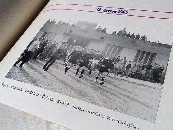 Jiří Obrovský, sekretář FC Nový Bor považuje za jeden znejdůležitějších milníků historie kopané rok 1965, kdy vNovém Boru vyrostl stávající fotbalový stadion.