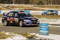 Ideální trať a slunečná obloha byly kulisou poslednímu závodu MDC na autodromu v Sosnové, poháru amatérského závodění v profesionálních podmínkách.