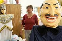 Svět karnevalových masek návštěvníkům Zákup přibližuje Muzeum Eduarda Helda, zakladatele této výroby v Zákupech .