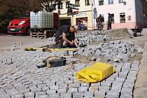 Až do 30. dubna bude z důvodu výměny povrchu komunikace uzavřena Mariánská ulice v centru České Lípy, a to od náměstí T.G.Masaryka až po křižovatku se Žižkovou ulicí.