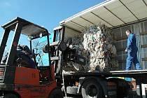 Nelegální odpad začali ze Sosnové odvážet na jaře roku 2008.