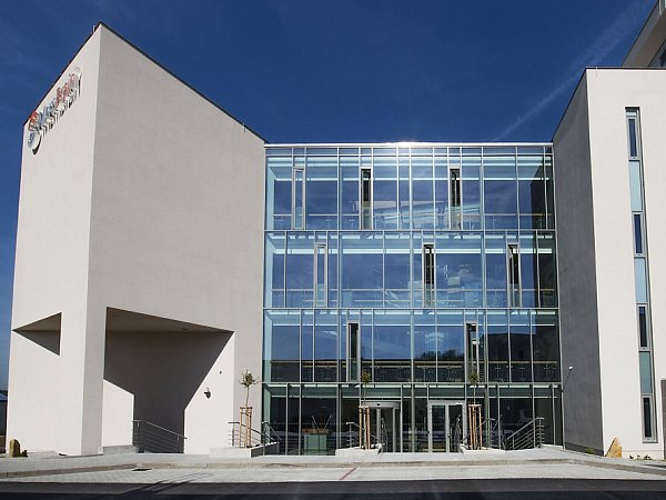 Vtéto budově budou vědci ve Stráži pracovat na širším uplatnění membrán vprůmyslu.
