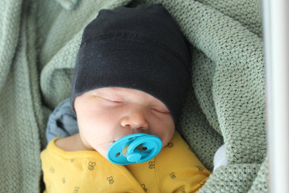 Rodičům Nikole Mošnové a Bořivoji Bulíčkovi z Liberce se v neděli 21. června v 9:13 hodin narodil syn Bořivoj Bulíček. Měřil 52 cm a vážil 3,97 kg.