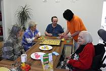 Společnost Ambeat Health Care již třetí měsíc poskytuje v areálu bývalé LDN v Novém Boru sociální služby, které jsou zaměřené především pro seniory.