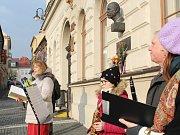 Přesně 168 let od narození prvního československého prezidenta Tomáše Garrigua Masaryka si lidé připomněli ve středu vzpomínkovým aktem u jeho busty na českolipském náměstí.