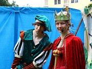 Slavnosti v pohádkovém duchu uspořádaly Doksy v areálu místního zámku.