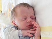 Rodičům Šárce a Miroslavovi Jersonovým ze Zákup se ve středu 25. dubna v 9:08 hodin narodil syn Matěj Jerson. Měřil 50 cm a vážil 3,43 kg.