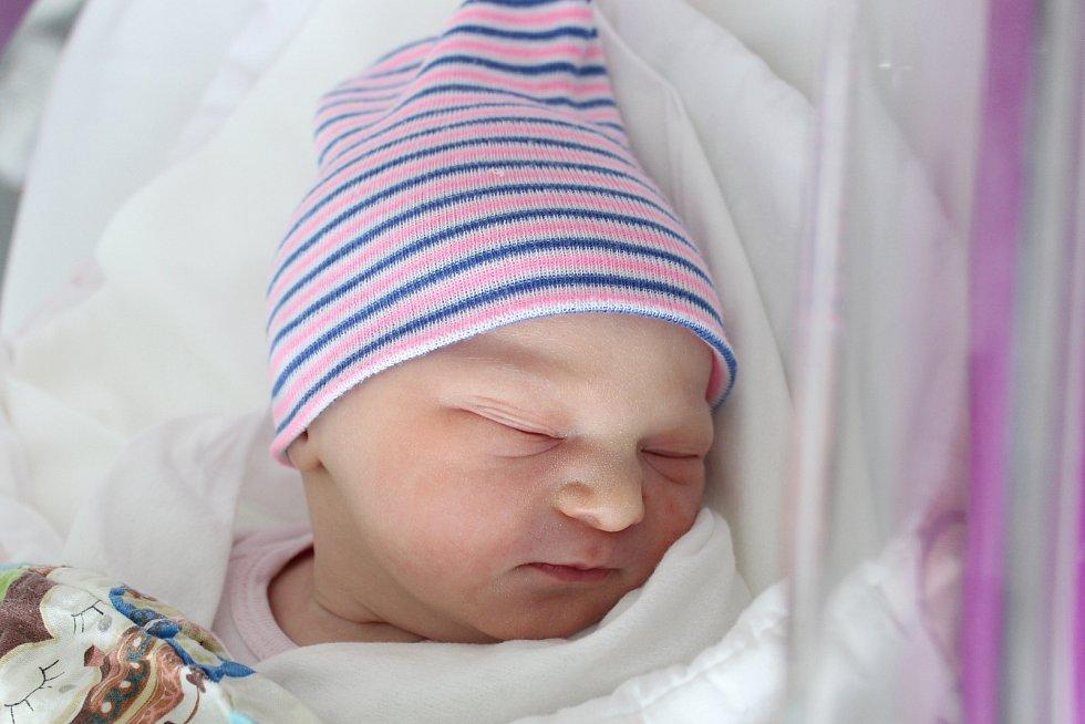Rodičům Kristýně Karbanové a Lukáši Vítovi z České Lípy se v úterý 18. srpna ve 3:43 hodin narodila dcera Natálie Karbanová. Měřila 49 cm a vážila 3,22 kg.