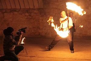 Světelná show v podání skupiny Ignis Iter bude letos k vidění online.