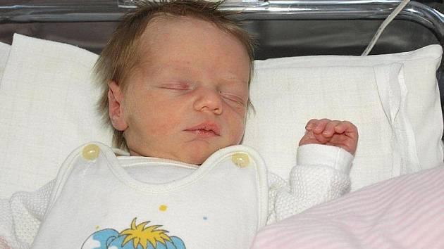 Kateřině Nové z Rumburka se 24.prosince ve 13.55 v rumburské porodnici narodil syn Jan. Měřil 52 cm a vážil 3,48 kg.