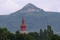HISTORIE o vzniku Ralska moc nenabízí, zato legend je kolem hradu víc než dost.d