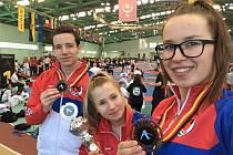 Medailová minivýprava českolipského Sport Relaxu (zleva): David Kavalír, Adéla Šinerová, Barbora Znamenáčková.