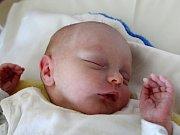 Rodičům Miluši Kučerové a Michalovi Sentenskému z Nového Boru se v sobotu 10. února ve 4:52 hodin narodil syn Kevin Kučera. Vážil 2,47kg.